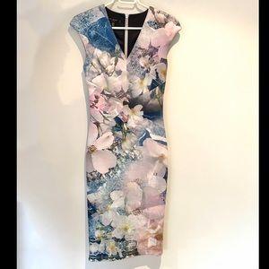 Ted Baker size 1 (US 2-4) floral scuba midi dress